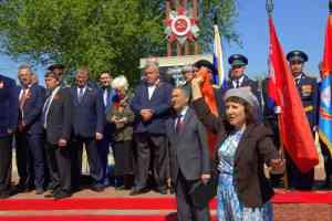 На открытии памятника Т.Дерунец в с. Керша